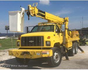 1999 Chevrolet 8500 crane truck