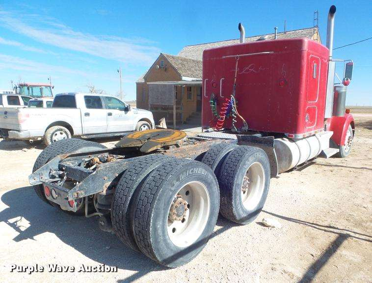 F8439 furthermore 1999 KENWORTH W900L further 2006 PETERBILT 379 besides Detailview further China 2015 New China Manufacturing 6X4 Tipper Truck HOWO Dump Truck Price For Hot Sale. on semi truck dual dump trailers for sale