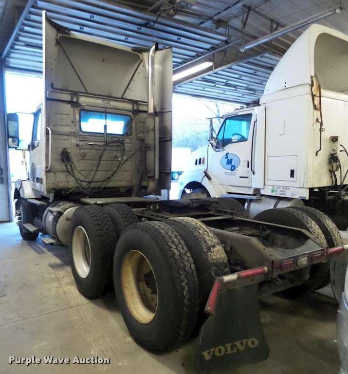 880 Volvo Trucks For Sale: 2005 Volvo VNL Semi Truck For Sale