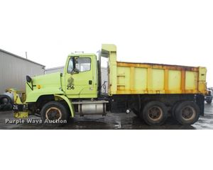 1992 Freightliner FLC11264 dump truck