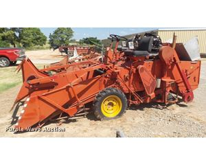 1975 Hege 125 688 combine