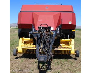 New Holland BB960A Crop Cutter large square baler
