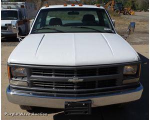 1999 Chevrolet 3500 pickup truck