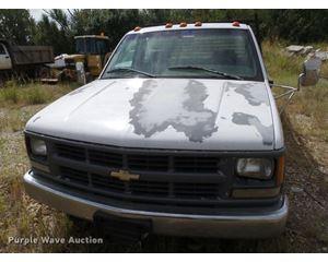 1995 Chevrolet Cheyenne 3500 pickup truck