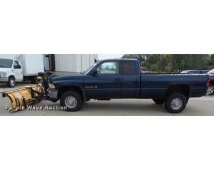 2001 Dodge Ram 2500 Quad Cab pickup truck