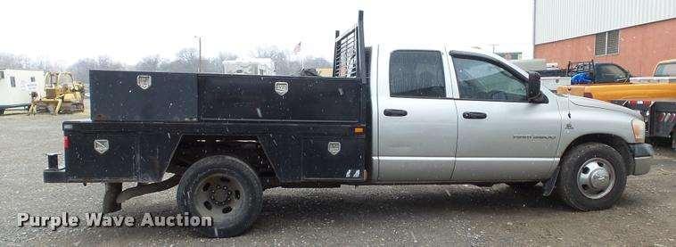 2006 dodge ram 3500 quad cab flatbed pickup truck for sale 320 292 miles pittsburg ks. Black Bedroom Furniture Sets. Home Design Ideas