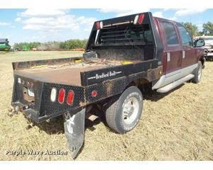 2000 Ford F250 Super Duty Crew Cab flatbed pickup truck