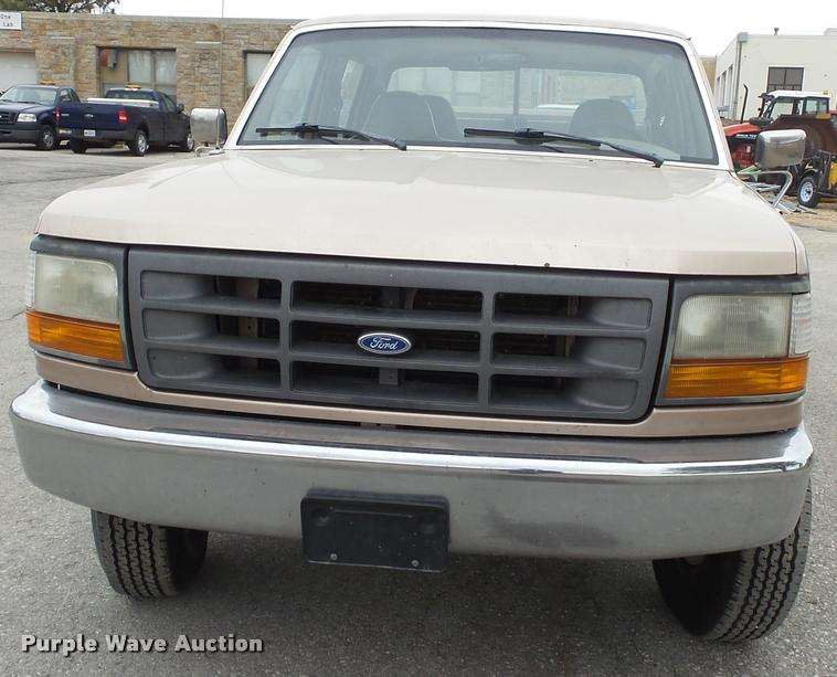 1997 ford f250 super duty xl crew cab utility bed pickup truck for sale 136 818 miles topeka. Black Bedroom Furniture Sets. Home Design Ideas