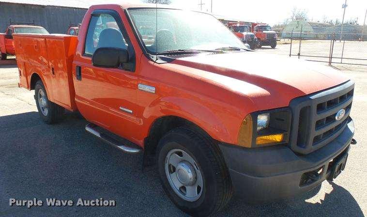 2006 ford f250 super duty xl utility bed pickup truck for sale 211 280 miles hutchinson ks. Black Bedroom Furniture Sets. Home Design Ideas