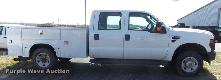 2008 ford f250 super duty xl crew cab utility bed pickup truck for sale 280 232 miles topeka. Black Bedroom Furniture Sets. Home Design Ideas