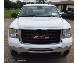 2009 GMC Sierra 2500HD Ext. Cab pickup truck
