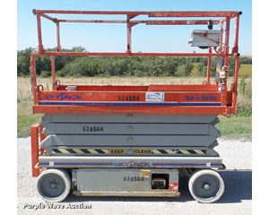Skyjack SJIII 3226 scissor lift