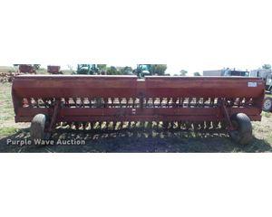 Case IH 5200 grain drill