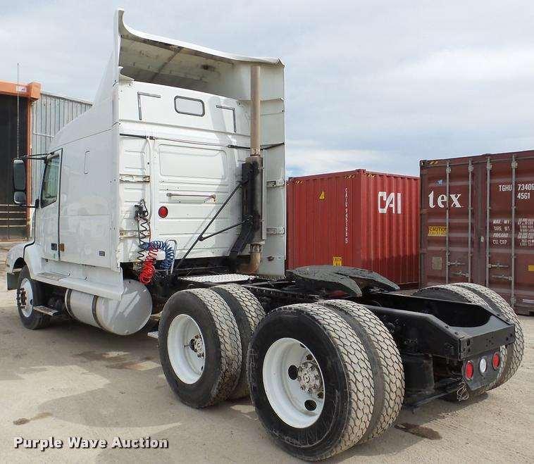 880 Volvo Trucks For Sale: 2000 Volvo VNL Semi Truck For Sale, 311,401 Miles