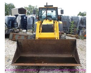 2000 Fermec 640B tractor