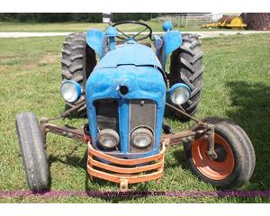 1960 Fordson Dextra tractor