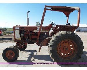 1967 International 706 tractor