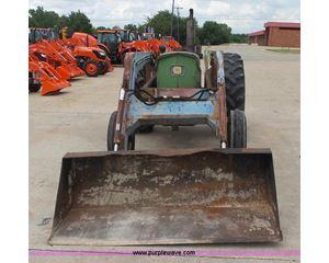 John Deere 2120 tractor