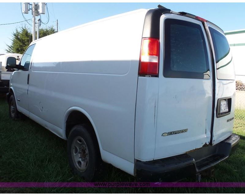 2005 Chevrolet Express 2500 Cargo Van For Sale