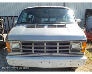 1989 Dodge Ram Wagon 350 van