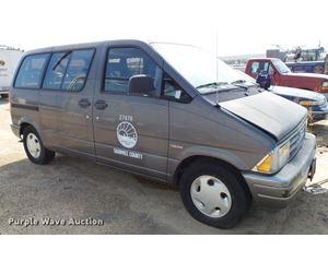 1993 Ford Aerostar XL van