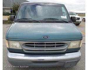 1998 Ford Club Wagon van