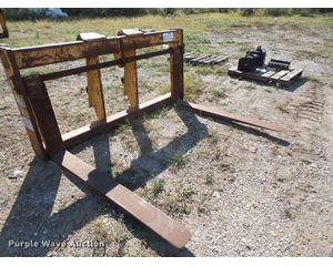 Balderson wheel loader pallet forks