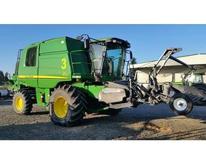 John Deere T670 Combine Harvester