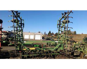 John Deere 1000 Cultivator