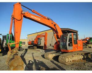 Hitachi ZX225 Excavator