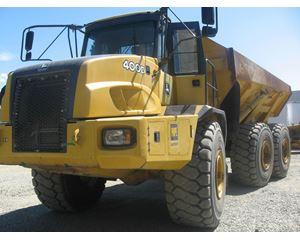 John Deere 400D Off-Highway Truck