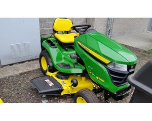 John Deere X380 Riding Lawn Mower