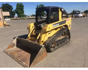 John Deere CT322 Skid Steer Track Loader