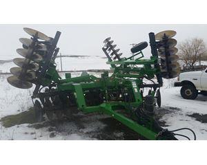John Deere 650 Tillage Equipment