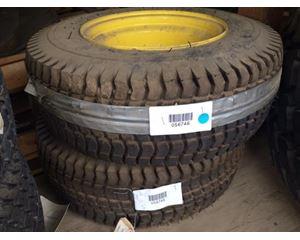 John Deere TCB104 Tire