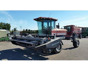 MAC DON 2930 Windrower