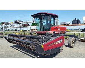 Premier 2940 Windrower