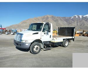 International 4100 Flatbed Truck