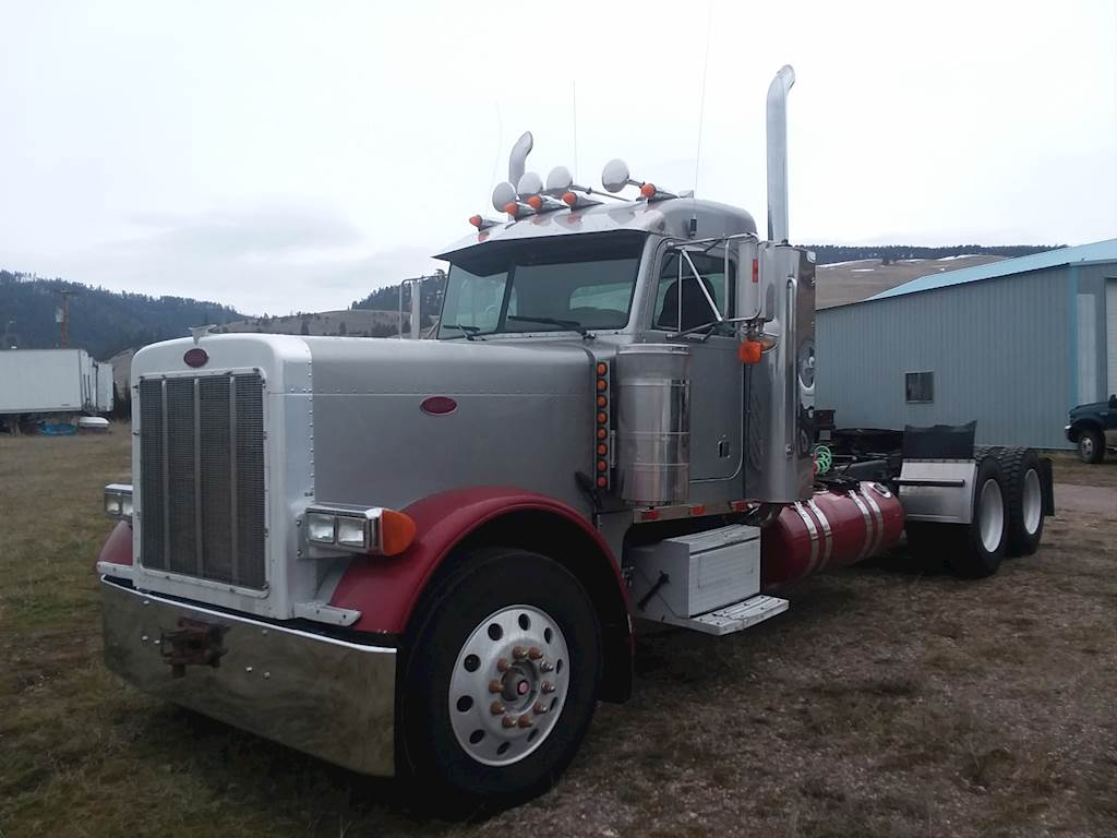 2005 Peterbilt 379 Day Cab Truck
