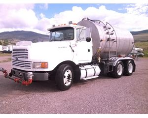 Ford 9000 Water Truck