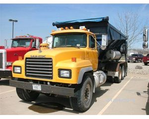 Mack RD688S Mixer / Ready Mix / Concrete Truck