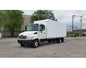 Hino 145 Box Truck / Dry Van