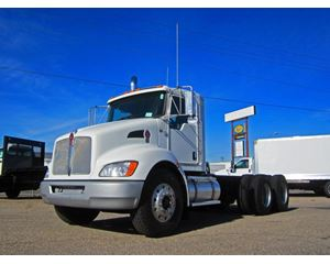 Kenworth T370 Heavy Duty Cab & Chassis Truck