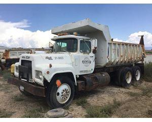 Mack R688ST Heavy Duty Dump Truck