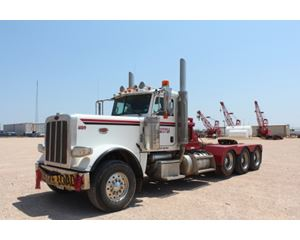 Peterbilt 389 Winch Truck