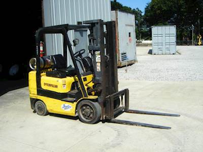 2000 Caterpillar GC-25K Mast Forklift