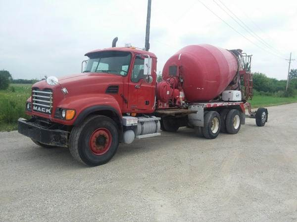 2004 Mack Granite CV713 Mixer / Ready Mix / Concrete Truck