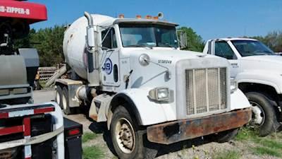 2000 Peterbilt 357 Mixer / Ready Mix / Concrete Truck