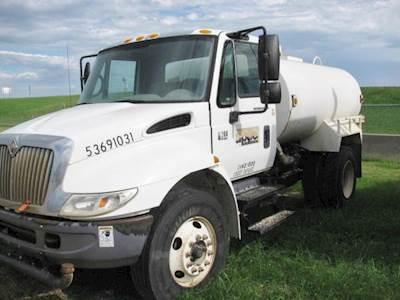 2005 International 4200 Water Truck