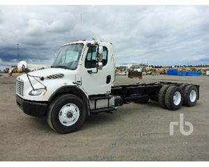 Freightliner M2106 Cab & Chassis Truck